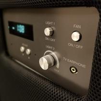 コントロールパネルは時計、照明、FANスイッチ