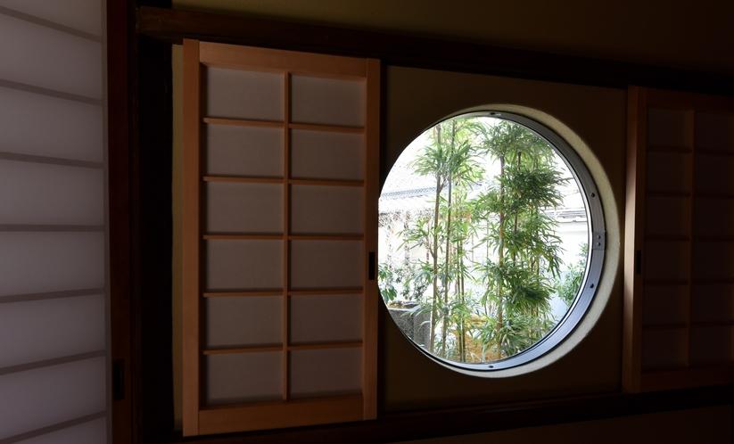 客室 日新窓