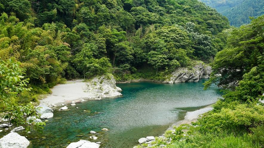 【穴吹川】当館目の前を流れる川をお楽しみいただけます