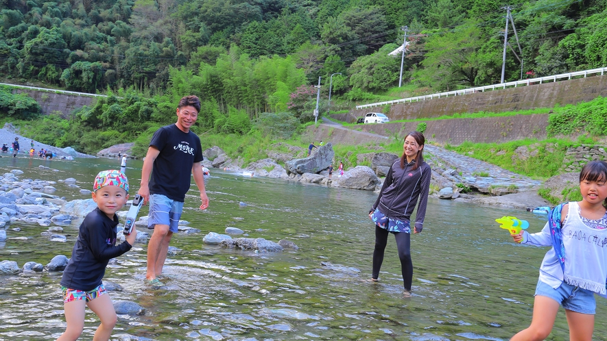 【穴吹川】澄んでいてきれいな川で、夏は川遊びができます!