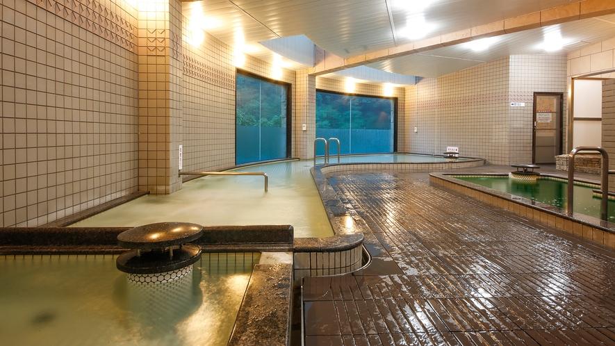 【大浴場】『バイブラバス』『電気風呂』など多様なご入浴が可能です