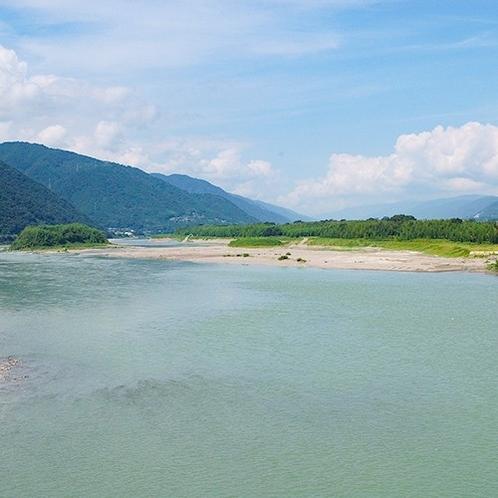【周辺観光】四国三郎「吉野川」ラフティングの名所として有名