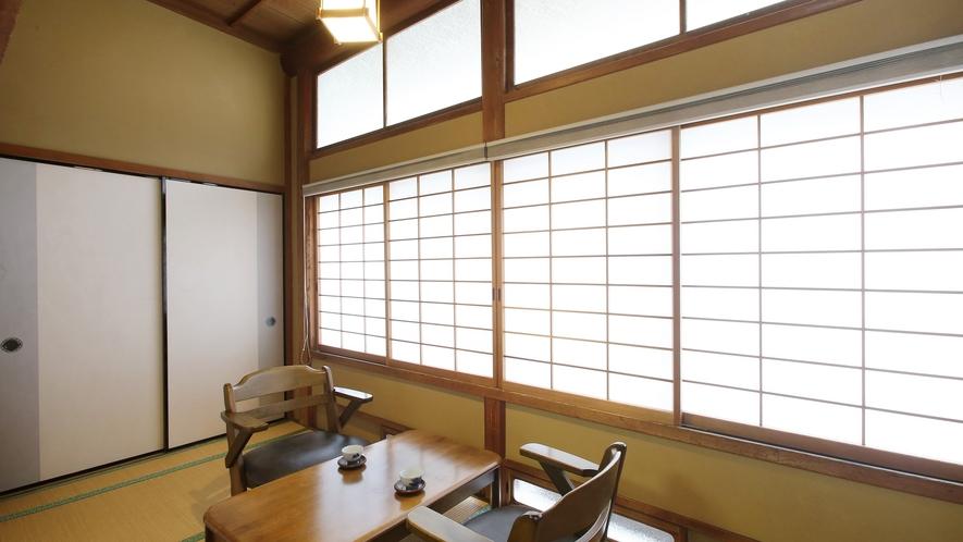 【更紗】木曽川を望む、檜造りの和室。広縁からは清流・木曽川を望みます。