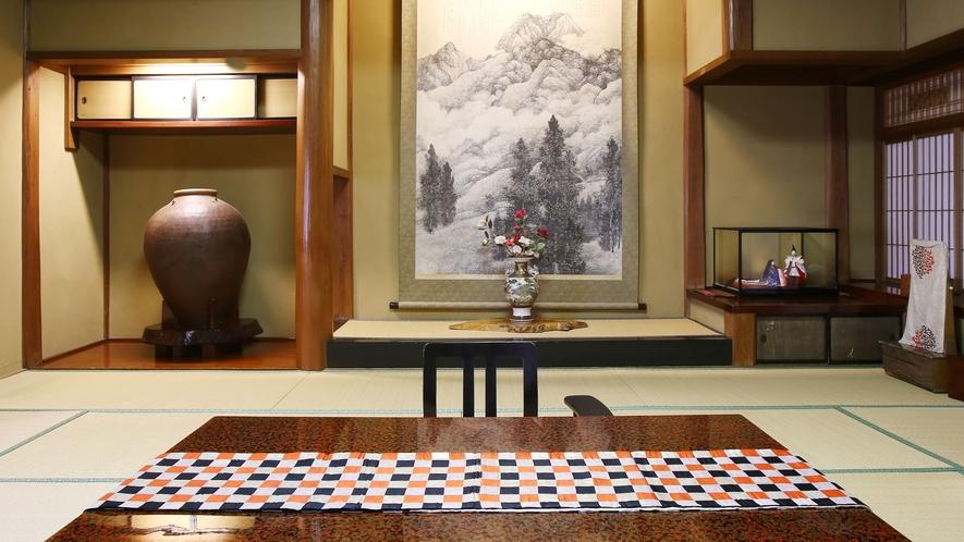 【翠玉】木曽川を望む、総檜造りの特別室。素朴で静かな佇まいの中に、歴史と和の風格が漂います。