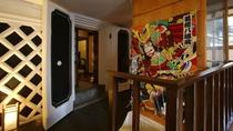 【蔵メゾネット】和室二間+リビングルーム。明治時代の「蔵」を2階建て客室にリニューアル。