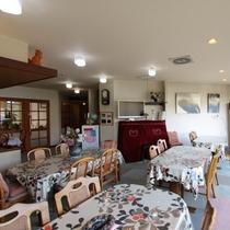 諏訪湖が一望できるロビー&レストラン