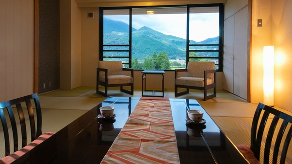 ◆和室 由布岳ビュー◆茜色の空と豊後富士〈12.5畳〉