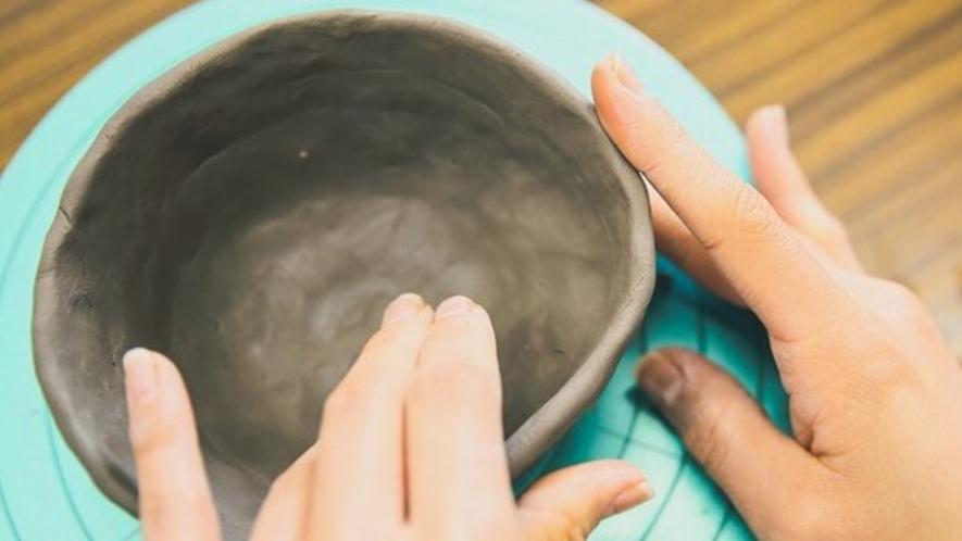 【清水焼団地】職人の横で直接指導の陶芸体験などをお楽しみいただけます