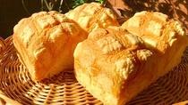 モクプ二さんのオリジナルメロン食パン