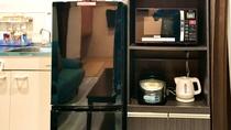前ぬ浜(コンドミニアム)冷蔵庫・電子レンジ・ケトル・炊飯器など水回りの電化製品も備わっております。