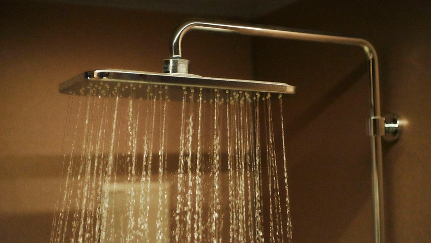 雨のように降りそそぐやわらかな水流に包み込まれるような感覚のシャワーです