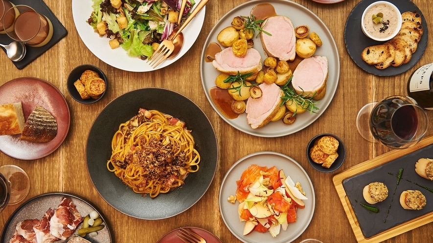 1階BistroNOHGAでは地域の食材を使用したフレンチベースの料理を愉しめる