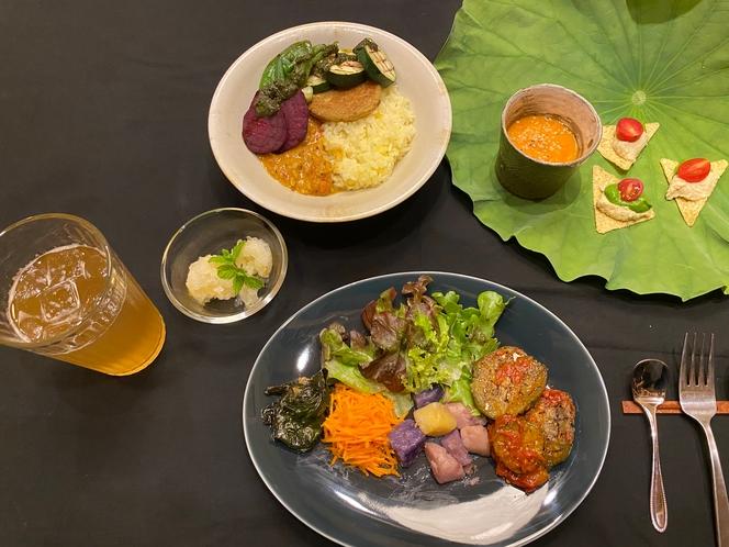 有機野菜エスニック・ヴィーガン・シェフ出張 LIVE COOKING (4名様より承ります)