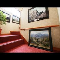 ■【館内】桜を中心に季節に合わせた写真・絵画を展示しております☆