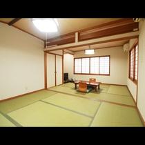 ■【客室】落ち着いた雰囲気の和室でゆっくりお休み下さい☆