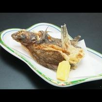 ■【夕食】カレイの唐揚げ♪カレイは新潟から直送!身がホクホクしています