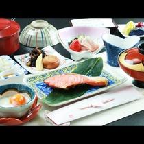 ■【朝食】朝はしっかり!品数も豊富な和食膳をご用意☆