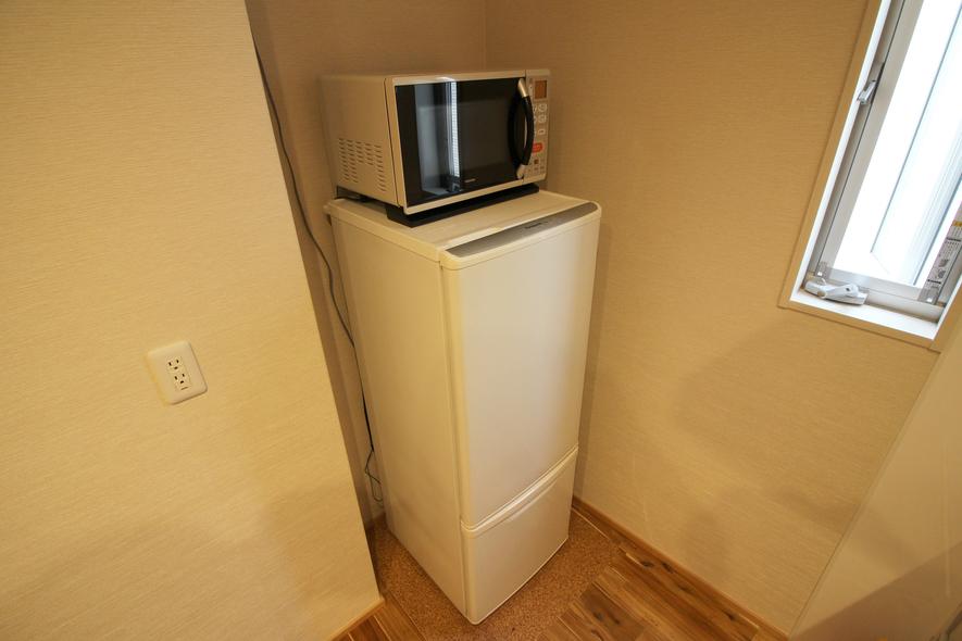 冷蔵庫/Refrigerator