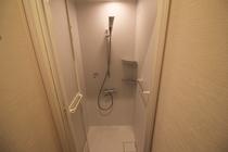 シャワールーム/Shower Room