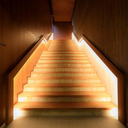 レストランへつながる階段