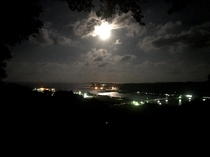 満月の眺望