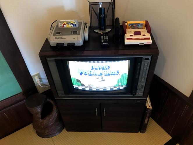 ブラウン管テレビ、初代ファミコン、スーパーファミコン