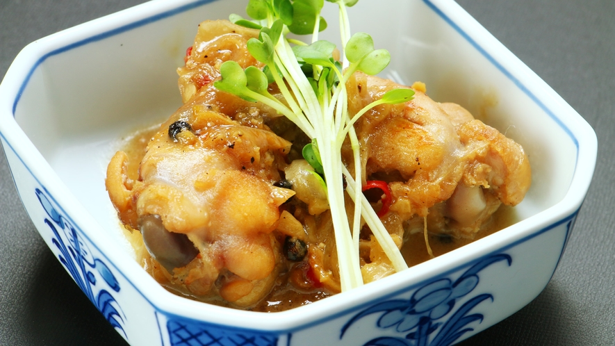 ■【フィリピン料理】手羽元のココナッツ煮はお肉も柔らかいトロピカルな味☆