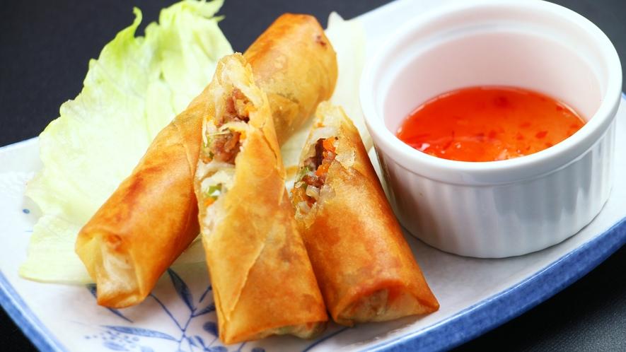 ■【フィリピン料理】フィリピンの春巻きは野菜たっぷりでヘルシー♪手作りチリソースでどうぞ☆