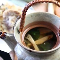 【きのこ料理】とんび蒸し-(松茸、イボコボリ、鱧)