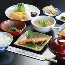 朝食全体の一例。健康的な身体にやさしい和朝食です