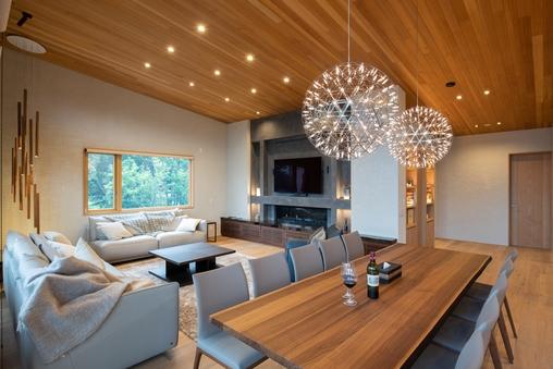 大規模なグループや多人数のご家族での利用に最適な高級別荘