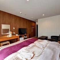 *【喜水館(ダブル)】こだわりのベッド、大きめのソファーなどインテリアも完備