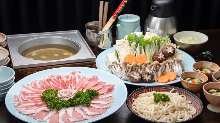 *【夕食一例】しゃぶしゃぶ(4人前)鹿児島名物の黒豚をご堪能ください
