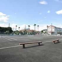 *【野外テニスコート】ホテル目の前には宿泊者は無料で利用できるテニスコート!(要事前相談)