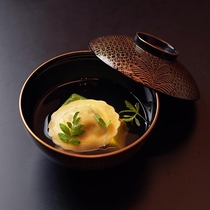 ポルチーニとリコッタチーズのラビオリ