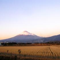 *【風景(冬)】四季折々、様々な表情を見せてくれる富士山。