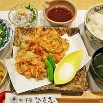 【桜えびかき揚げ天定食】「桜えび」をあえてかき揚げ天ぷらにした地元民にも大人気メニュー!