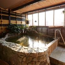 「月の間」の露天風呂