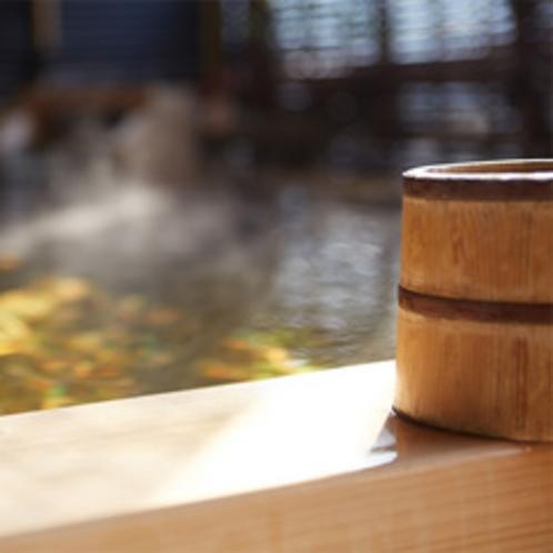 雪の間の源泉掛け流し露天風呂