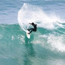 *海でサーフィンも楽しめます。