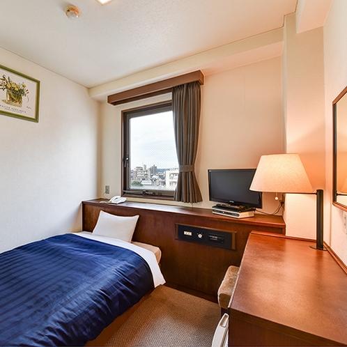 *シングルB/約12.8平米、ベッド幅110×195、エアコン一括型、冷蔵庫、BS液晶テレビ