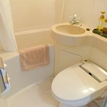 ユニットバス一例:全室ウォシュレットトイレ付