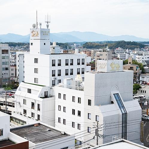 *外観/宮崎駅から車で5分、徒歩15分!天然温泉付で快適便利なビジネスホテルです!