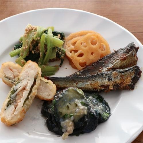 ★【朝食バイキング一例】まるで実家に帰ってきたような家庭料理の数々です。