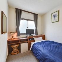 *シングル(一例)落ち着いたシンプルなお部屋です