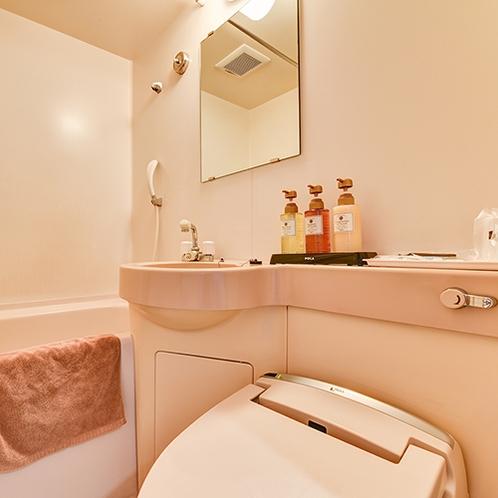 *全室共通バス・トイレ付/天然温泉ゆるりもご利用ください