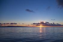 ビーチからの夕日