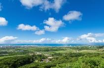 エメラルドの海を眺める展望台(バンナ公園)