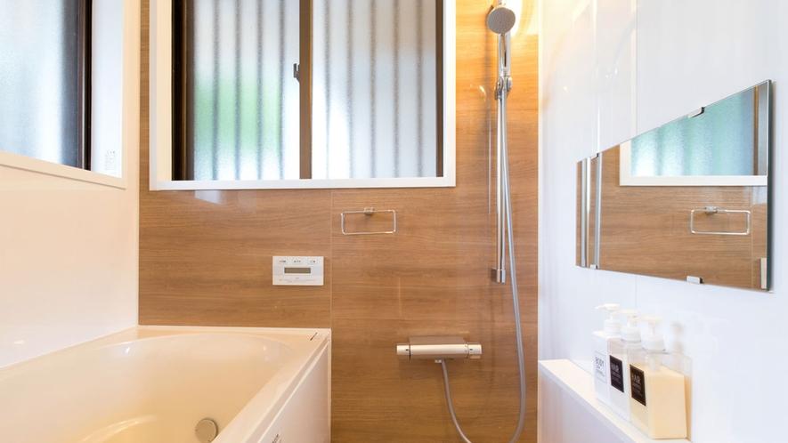 【本邸】 バスルーム