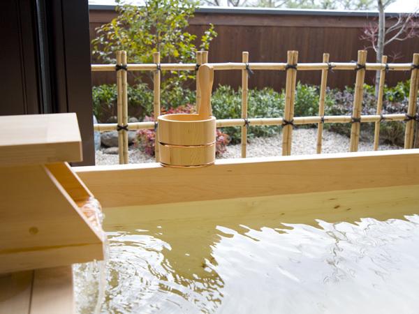 TOP風の棟【露天風呂付】和室10畳の露天風呂(一例)